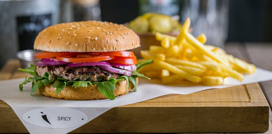 shade burger — это стильная бургерная с открытой кухней и эксклюзивным интерьером