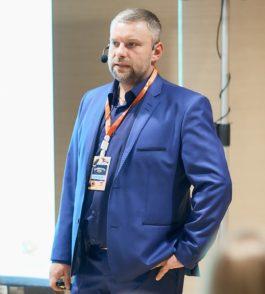 Руслан  Петренко